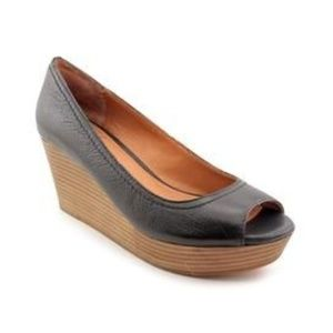 Lucky Brand Issy 2 Dark Navy Peeptoe Wedges